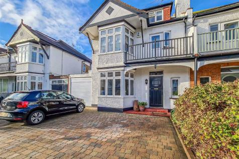 Clieveden Road, Thorpe Bay, Essex. 5 bedroom semi-detached house for sale