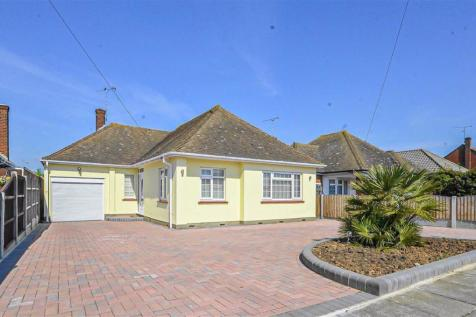 Marcus Avenue, Thorpe Bay. 4 bedroom bungalow for sale