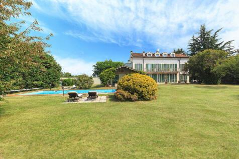 Piedmont, Novara, Novara. 4 bedroom villa