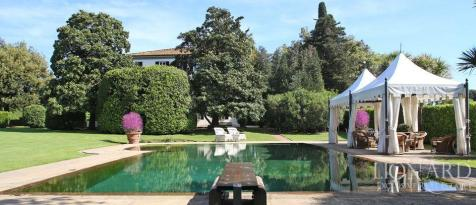 Tuscany, Lucca, Lucca. 6 bedroom villa
