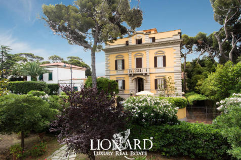 Tuscany, Livorno, Rosignano Marittimo. 6 bedroom villa