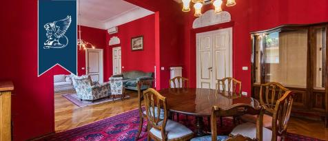 Tuscany, Florence, Florence. 4 bedroom apartment for sale