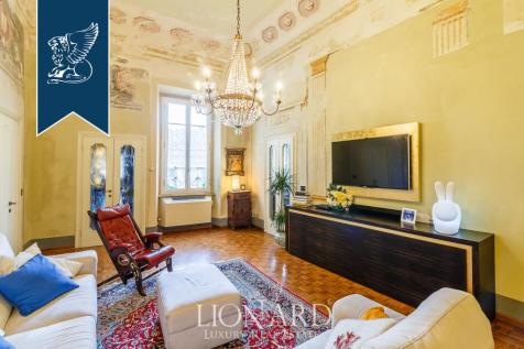 Tuscany, Pisa, Pisa. 5 bedroom apartment for sale