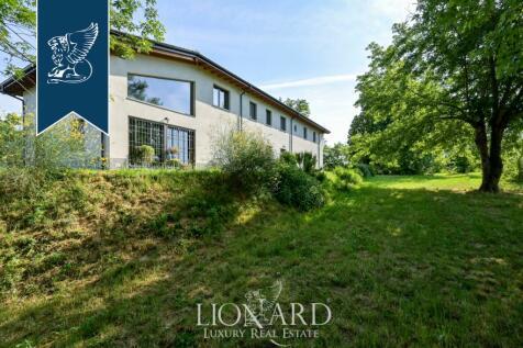 Lombardy, Pavia. 5 bedroom villa for sale