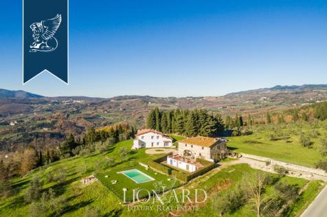Tuscany, Florence, Fiesole. 9 bedroom villa for sale