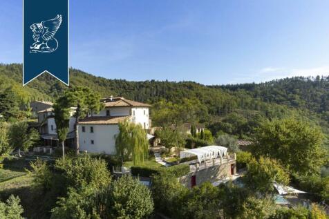 Tuscany, Siena, Gaiole in Chianti. 7 bedroom villa for sale