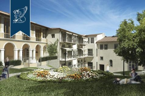 Tuscany, Florence, Florence. 5 bedroom apartment for sale