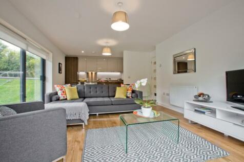 Stoneywood Brae, Stoneywood, Aberdeen, AB21. 2 bedroom flat