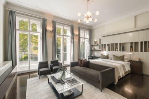 Onslow Gardens, London. 5 bedroom flat for sale