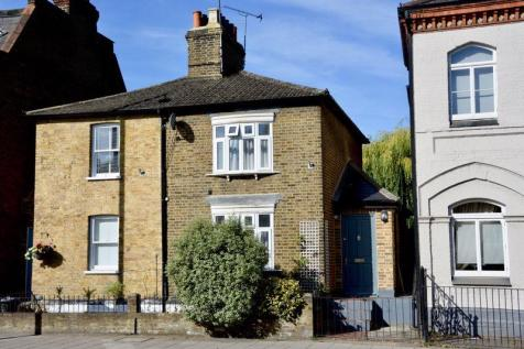 High Street, Hampton Wick. 4 bedroom semi-detached house for sale