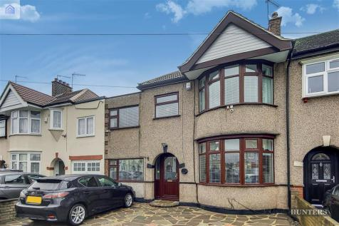 Roxy Avenue, Chadwell Heath, RM6. 4 bedroom terraced house for sale