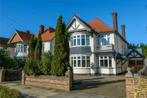 The Broadway, Thorpe Bay, SS1. 7 bedroom detached house for sale