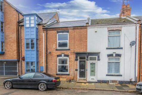 Roe Road, Northampton. 3 bedroom terraced house for sale