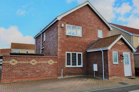 Kings Drive, Great Yarmouth, Norfolk, NR31. 3 bedroom detached house