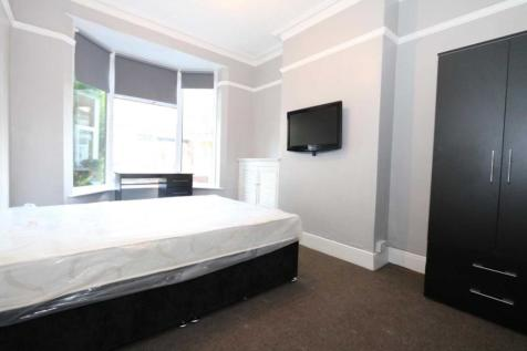 Room 2, Gaul Street - 3 bedroom student home fully furnished, WIFI & bills included - NO FEES. 1 bedroom house share