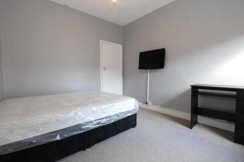 Room 3, Gaul Street - 3 bedroom student home fully furnished, WIFI & bills included - NO FEES. 1 bedroom house share