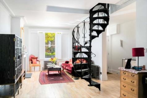 Shaftesbury Road, Richmond. 2 bedroom semi-detached house