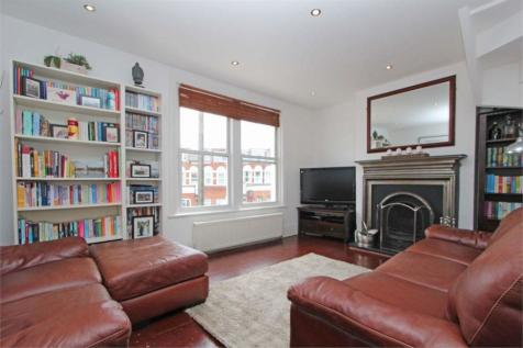 Whittington Road, Bowes Park. 2 bedroom flat