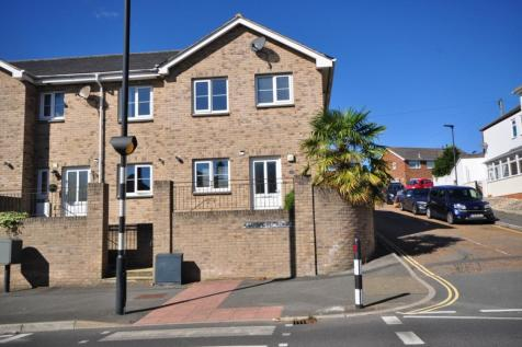 Swanmore Court Swanmore Road PO33. 3 bedroom end of terrace house