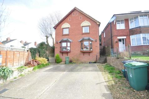 Moorgreen Road Cowes PO31. 2 bedroom semi-detached house