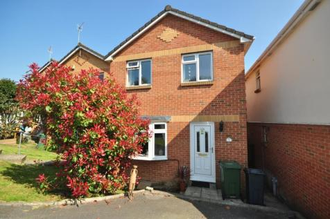 Nelson Drive Cowes PO31. 3 bedroom detached house