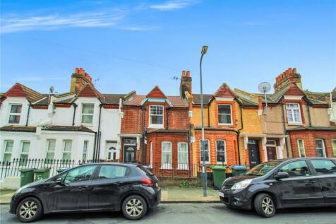 Vicarage Park, London, SE18. 4 bedroom terraced house