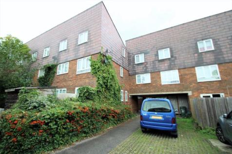James Bedford Close, Pinner. 3 bedroom flat for sale