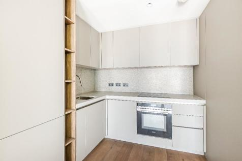 Upper Riverside, 10 Cutter Lane, Greenwich Peninsula, SE10 0XX. 2 bedroom apartment