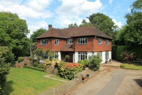 Wildernesse Avenue, Seal, Sevenoaks, Kent, TN15. 6 bedroom detached house