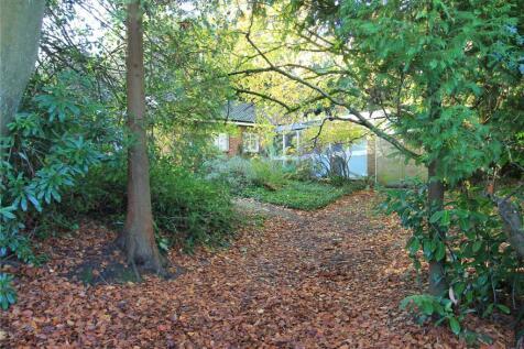 Woodside Road, Sevenoaks, Kent, TN13. 2 bedroom detached house for sale