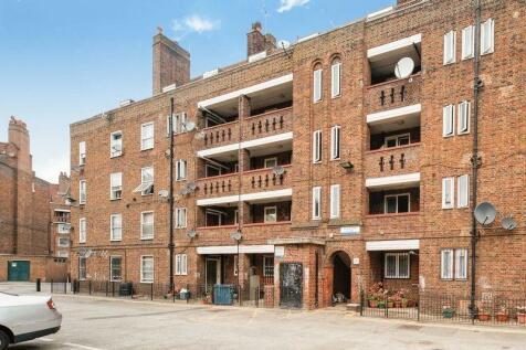 Peckham Road Camberwell SE5. 4 bedroom flat