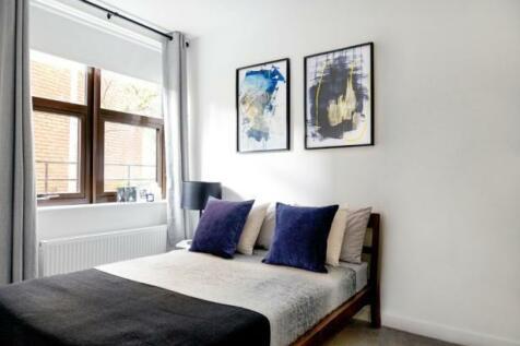 Southernhay Gardens, Exeter, Devon, EX1. 1 bedroom apartment