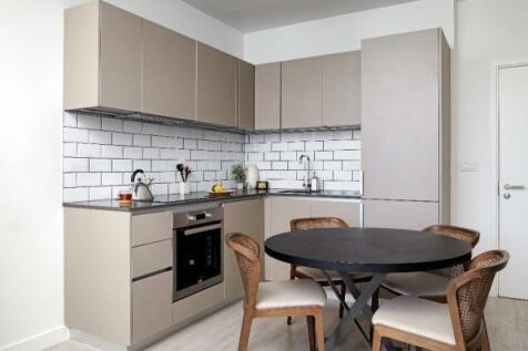 Gates Way, Stevenage, Hertfordshire, SG1. 1 bedroom apartment