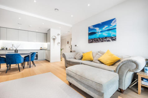 No. 1, 18 Cutter Lane, Upper Riverside, Greenwich Peninsula, SE10. 2 bedroom flat for sale