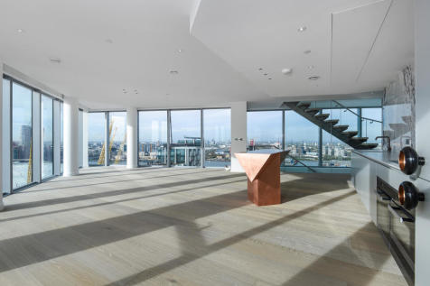 No.2, 10 Cutter Lane, Upper Riverside, Greenwich Peninsula, SE10. 3 bedroom flat for sale