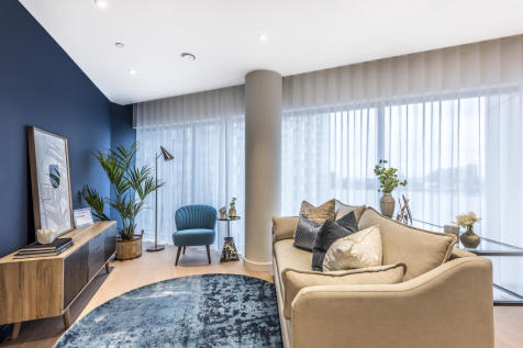 No 2, 10 Cutter Lane, Upper Riverside, Greenwich Peninsula, SE10. 2 bedroom flat