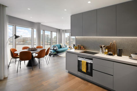 No. 5, 2 Cutter Lane, Upper Riverside, Greenwich Peninsula, SE10. 3 bedroom flat for sale