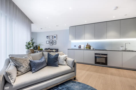 No 2, 10 Cutter Lane, Upper Riverside, Greenwich Peninsula, SE10. 2 bedroom flat for sale