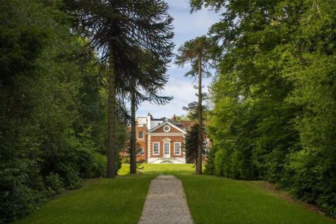 Rosary Manor, The Ridgeway, Mill Hill, London. 3 bedroom apartment