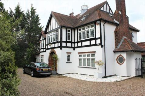 Cannons, The Ridgeway, Cuffley, Hertfordshire. 5 bedroom detached house for sale