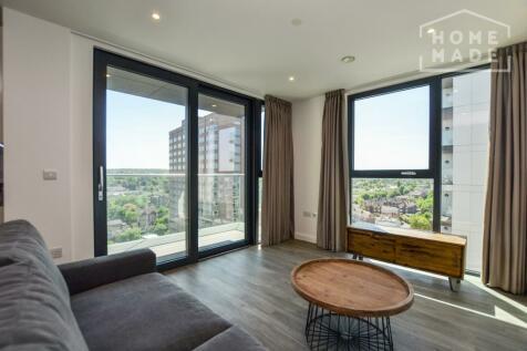 No. 16, Sutton, SM1. 2 bedroom flat
