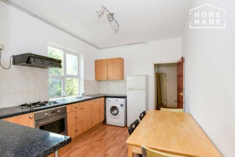 101B Elers Road. 4 bedroom flat