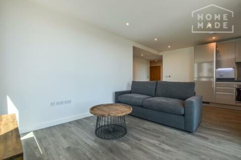 No. 16, Sutton, SM1. 1 bedroom flat