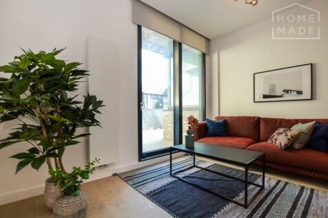 Hill House, Archway, N19. Studio flat