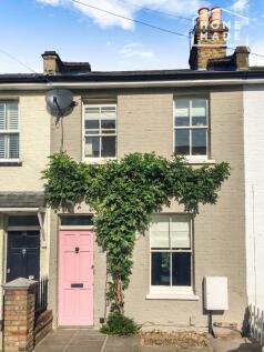 Denmark Road, Twickenham, TW2. 2 bedroom terraced house