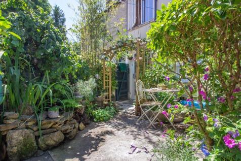Christchurch Street East, Frome. 4 bedroom terraced house for sale