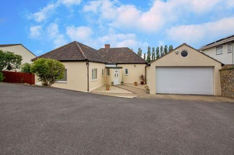 Innox Hill, Frome. 3 bedroom detached bungalow