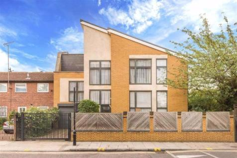 Finnis Street, Bethnal Green. 4 bedroom detached house