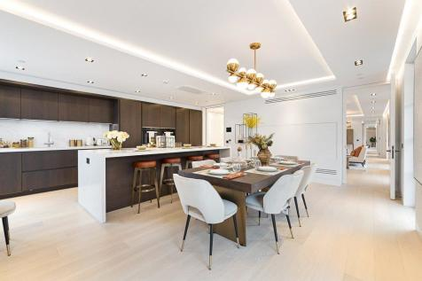 Penthouse , 19 Bolsover Street, London, W1W. 4 bedroom flat