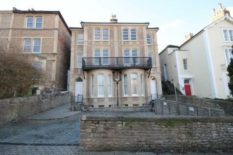 Top Floor Flat, Clifton Park Road, Bristol. 3 bedroom flat